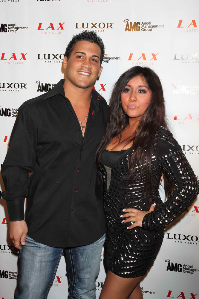 Snooki Gives Birth
