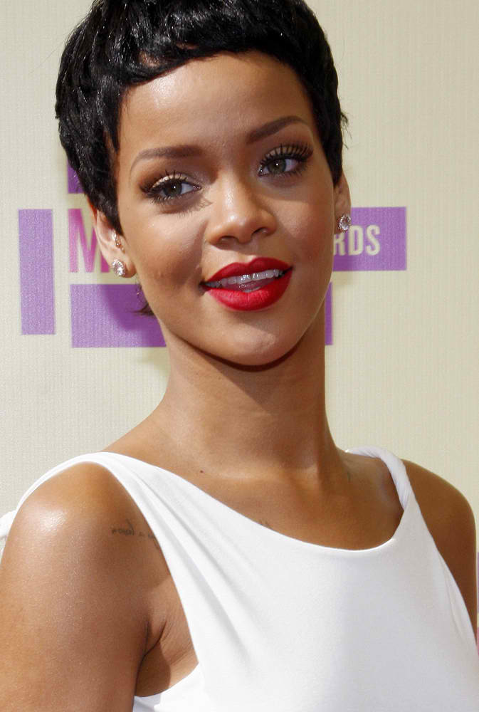 Source Denies Rihanna Pregnancy