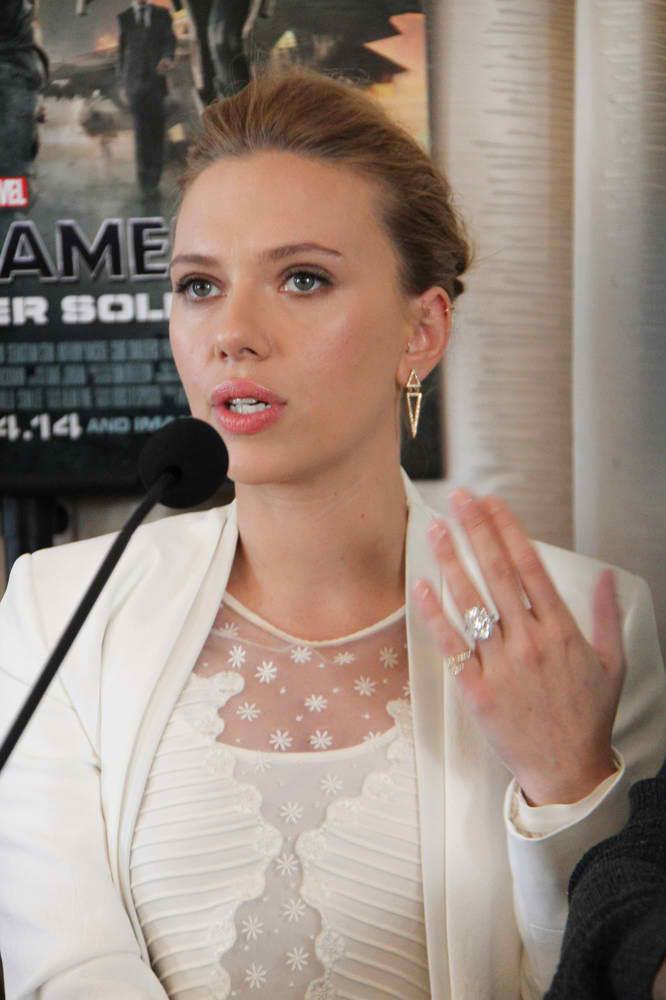 Scarlett Johansson Is Engaged