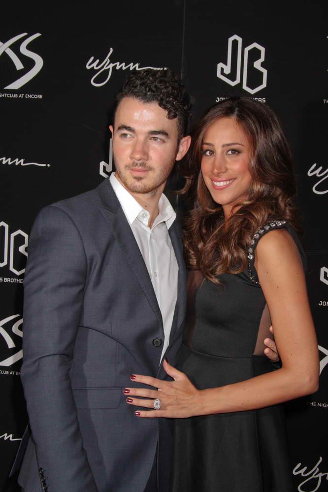 Danielle Jonas Gives Birth